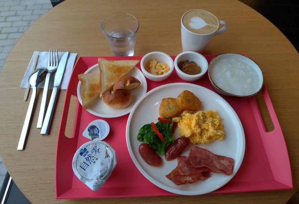 台北北門CitizenM世民酒店早餐