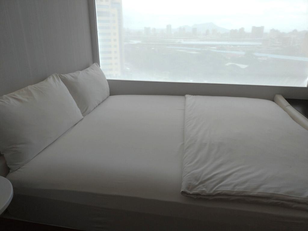 台北北門CitizenM世民酒店雙人床